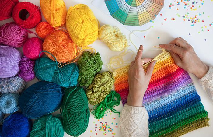 El ganchillo es una técnica para tejer con hilo o lana que tiene siglos de historia. Foto: Shutterstock