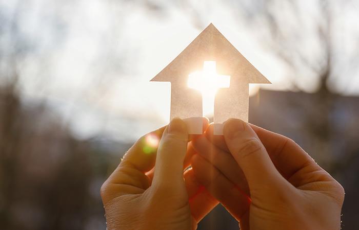 Pide al Espíritu Santo para que interceda ante Dios. Foto: Shutterstock