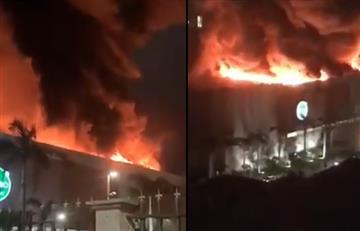 [VIDEO] Así fue el incendio que azotó a centro comercial en Barranquilla