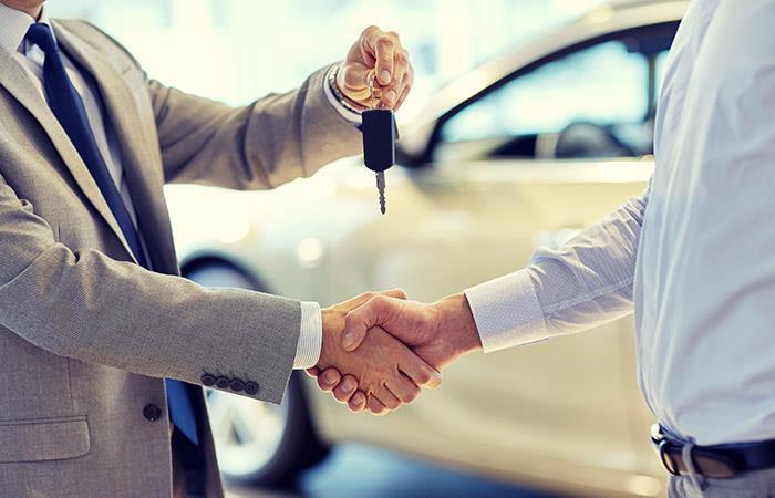 Antes de adquirir un nuevo auto, descubre cuáles son los créditos más viables. Foto: Shutterstock