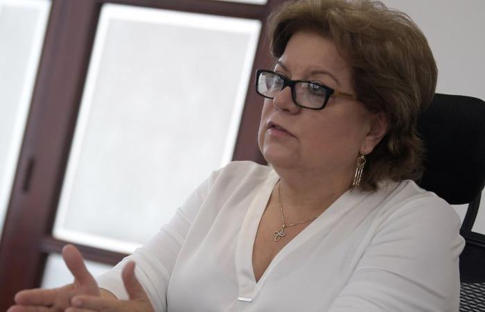 Renuncia ministra de Justicia de Colombia