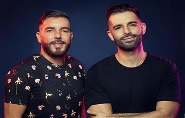 Criticas a la nueva propuesta musical de Alkilados por reflejar el amor igualitario