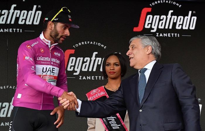Fernando Gaviria se retiró del Giro de Italia