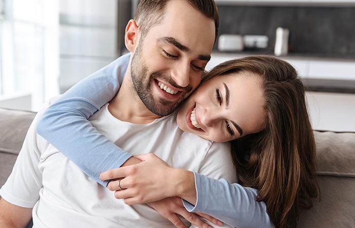 Si aún es detallista, sigue enamorado/a. Foto: Shutterstock