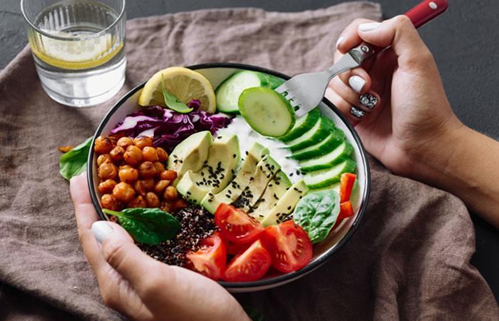 Cinco alimentos que funcionan para mantener la presión arterial