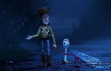 ¿El nuevo juguete de Toy Story se 'desmaya' si ve un humano?