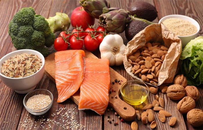 Siete alimentos que por salud, no puedes comer por la noche