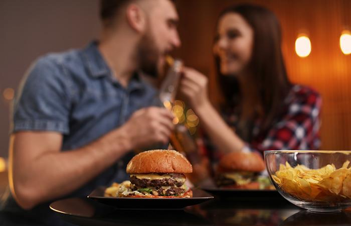 ¿Por qué se engordan las personas cuando tienen pareja?