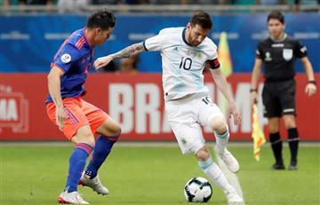 Jugada inolvidable: James le hace un túnel a Messi