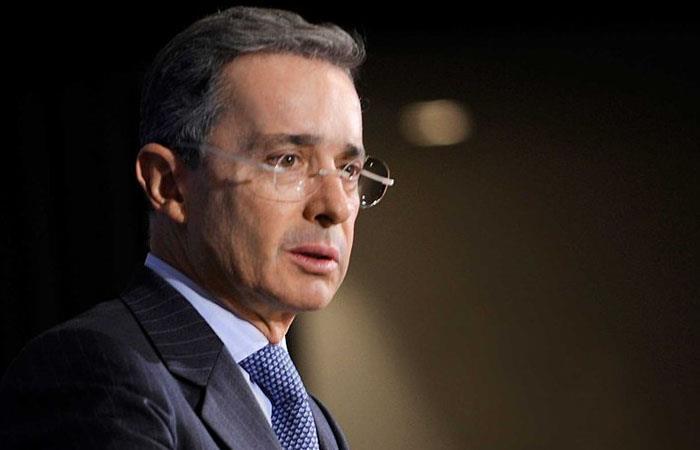 Uribe podría perder su investidura como senador de Colombia