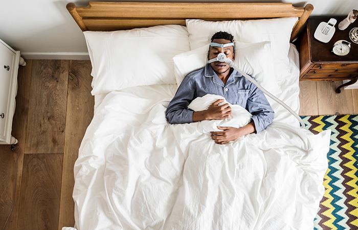 Máscara contra la apnea es más usada por pacientes jóvenes