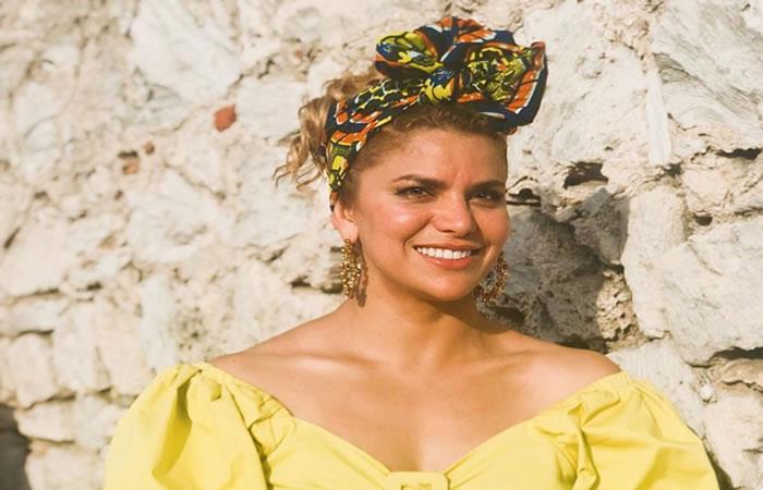 Adriana busca dejar un mensaje de amor y respeto por la música del país. Foto: Instagram/adrianalucia