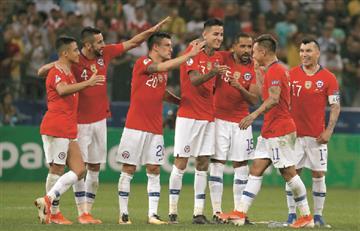 Chile clasifica a semifinales tras vencer a Colombia desde el punto penal