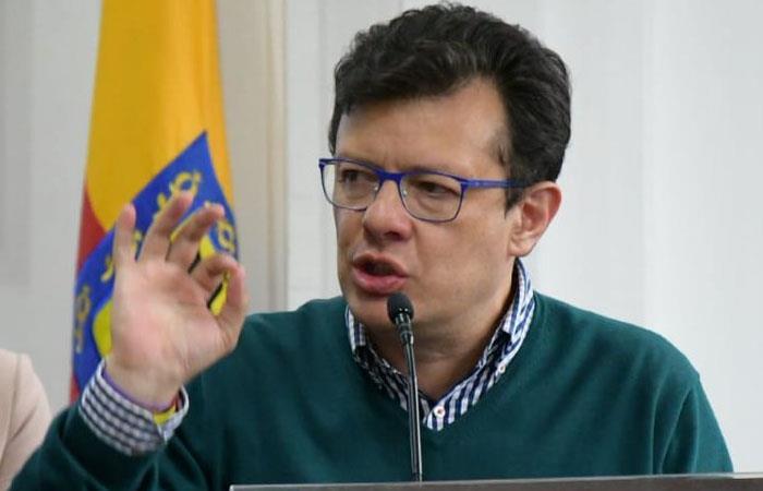 Hollman Morris critica los costos del metro de Bogotá