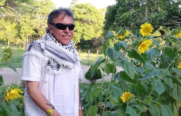 Alias 'Jesús Santrich', durante su paso por el Espacio Territorial de Capacitación y Reincorporación (ETCR) de Tierra Grata, Cesar. Foto: Twitter