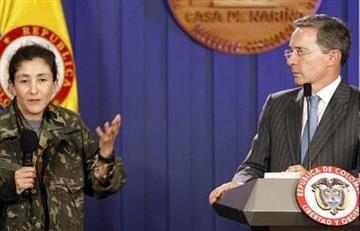Uribe asegura que Santos usó el éxito de la 'Operación Jaque' para su campaña presidencial en 2010