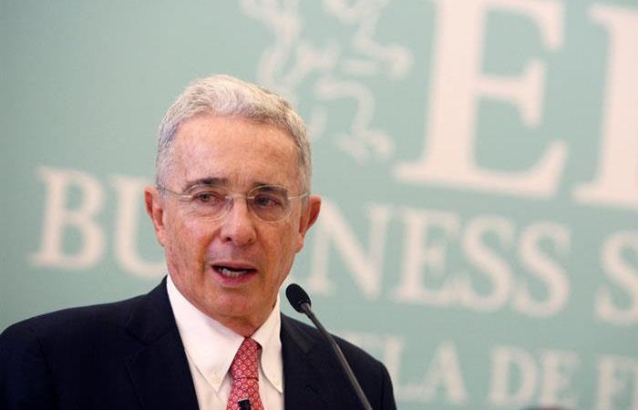 Uribe manifestó su rechazo a la desaparición de Santrich