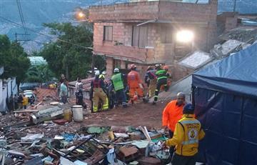 [VIDEO] Desplome de vivienda en Medellín deja tres personas muertas