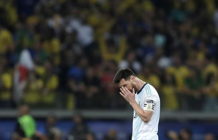Conmebol daría dos juegos de suspensión a Lionel Messi