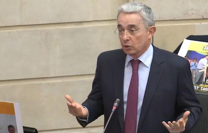 Uribe denunció amenazas en su contra