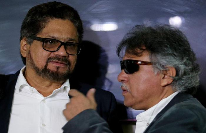 Alias 'Iván Márquez' y 'Jesús Santrich', exlíderes guerrilleros buscados por la JEP. Foto: Twitter
