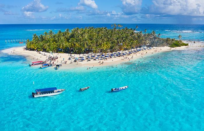 San Andrés es uno de los destinos más visitados por los viajeros nacionales. Foto: Shutterstock