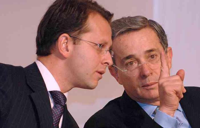 Uribe mostró su dolor por la extradición de Ándres Felipe Arias a Colombia