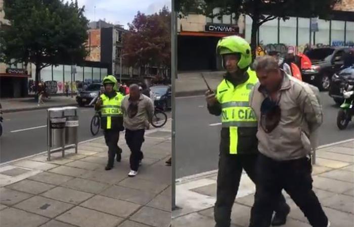 Momento en que la policía captura a uno de los presuntos ladrones. Foto: Twitter