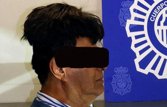 Colombiano llevaba cocaína bajo su peluquin