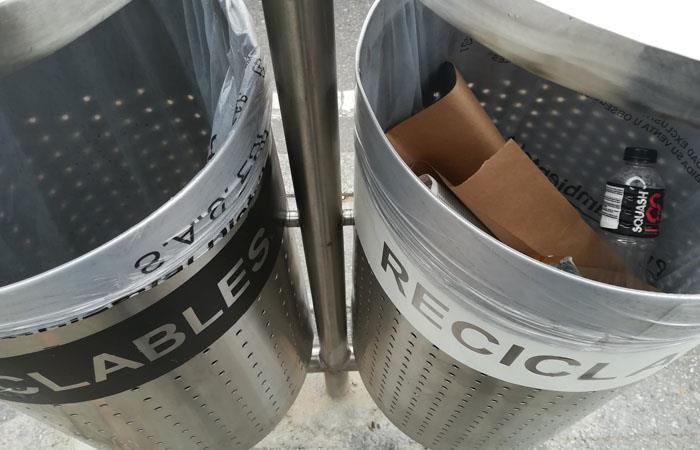 Polémica por canecas de basura en Bogotá