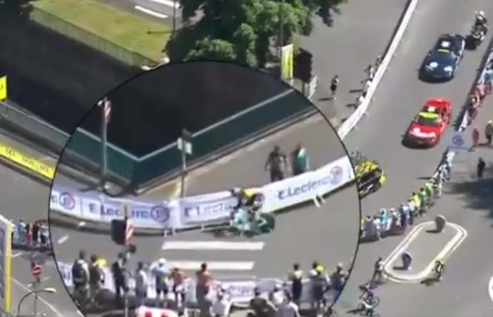 Momento de la caída del ciclista Wout Van Aert. Foto: Twitter