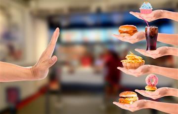 Piden prohibir alimentos procesados en colegios