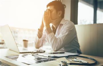 ¿Por qué los médicos son tan fríos a la hora de dar malas noticias a pacientes o familiares?