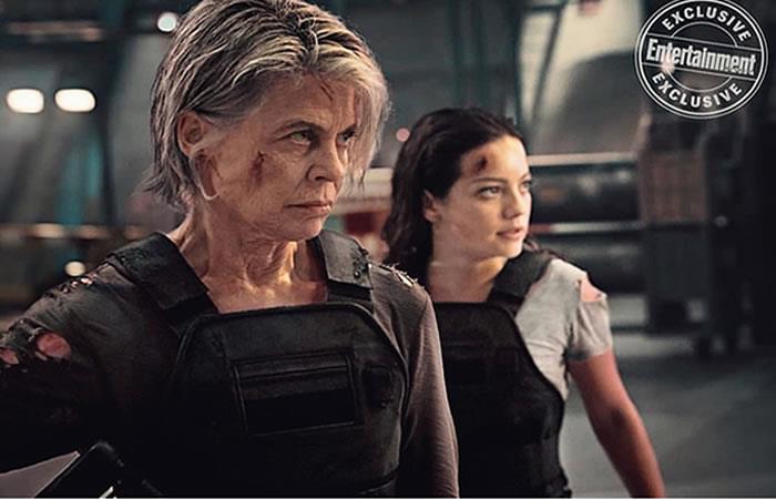 Natalia Reyes junto a Linda Hamilton en Terminator. Foto: Instagram/nataliareyesg