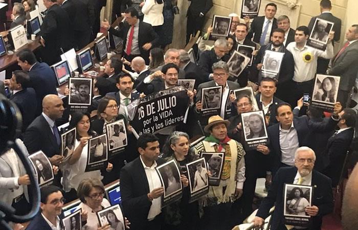 Congresistas de la oposición se movilizarán con los familiares afectados por muertes de los líderes sociales. Foto: Twitter