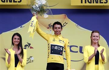 [VIDEO] En medio de lágrimas, Egan Bernal celebra el liderato en el Tour de Francia