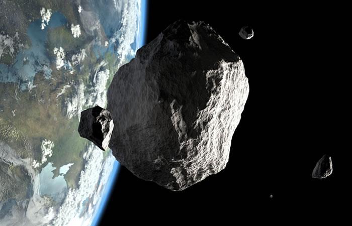 Tres asteroides fueron ubicados muy cercanos al planeta Tierra. Foto: Shutterstock