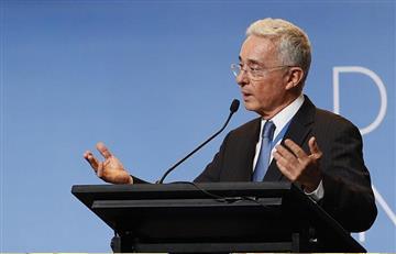 ¿Populismo? Uribe propone reducir el horario laboral en Colombia