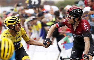 [VIDEO] ¡Conmovedor! Egan Bernal cruzó la meta felicitado por el campeón del Tour de Francia 2018