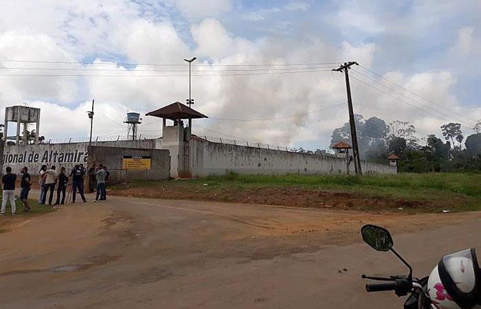 Enfrentamiento deja 52 muertos en cárcel de Brasil