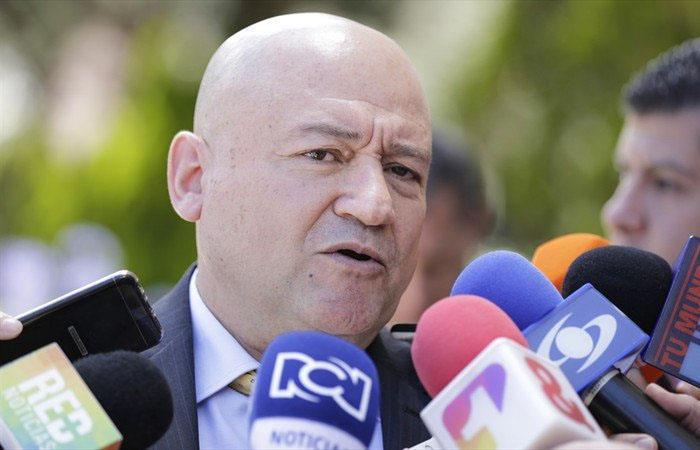 Carlos Lozada, senador por el partido FARC. Foto: Twitter