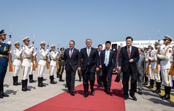 Iván Duque, en su llegada a Beijing, capital de China. Foto: Twitter