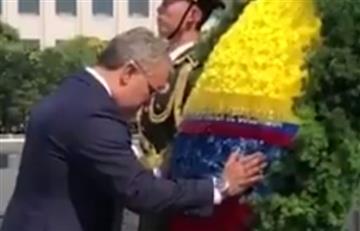 """Hipócrita"": Critican a Iván Duque por homenaje que hizo al comunismo en China"