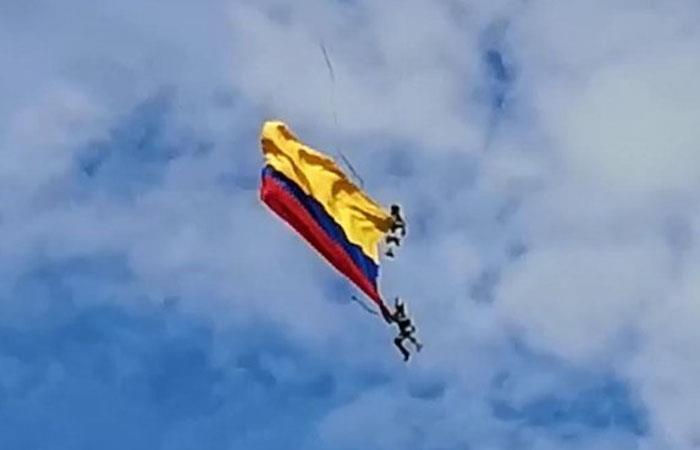 Corte de cuerda de la que colgaban provocó muerte de 2 militares en Colombia
