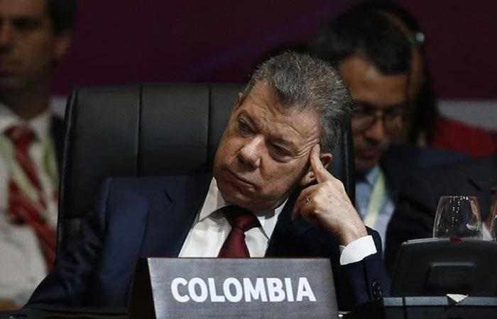 Consejo electoral de Colombia abre indagación a Santos por caso Odebrecht