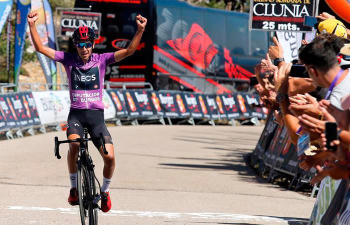Iván Sosa en su llegada a la última etapa de la Vuelta a Burgos. Foto: EFE