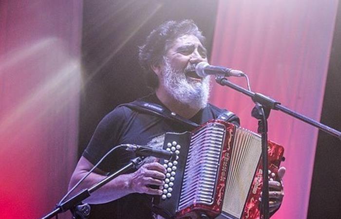 ¡Adiós al 'rebelde del acordeón'! Murió el músico Celso Piña