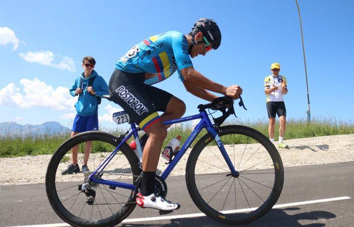 Jhojan García es gran protagonista del Tour de L'Avenir. Foto: Twitter @fedeciclismocol