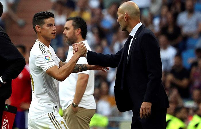 Zidane reemplazó a James debido a molestias físicas. Foto: EFE