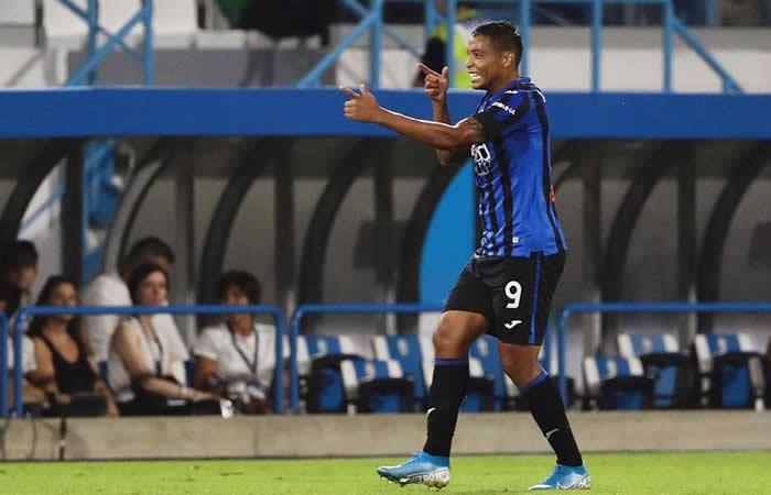 Luis Fernando Muriel celebra sus dos primeros goles con Atalanta. Foto: EFE